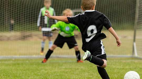 Το ποδόσφαιρο ενισχύει την ανάπτυξη των οστών